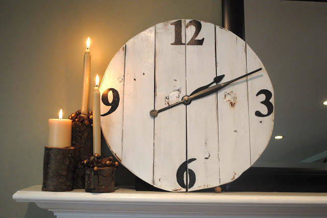 Reclaimed wood DIY clock