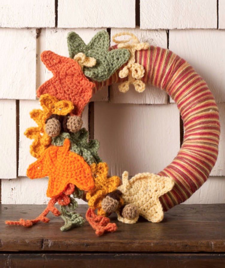 Autumn Leaves Wreath free fall crochet pattern
