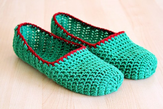 Simple crochet slippers fall crochet pattern