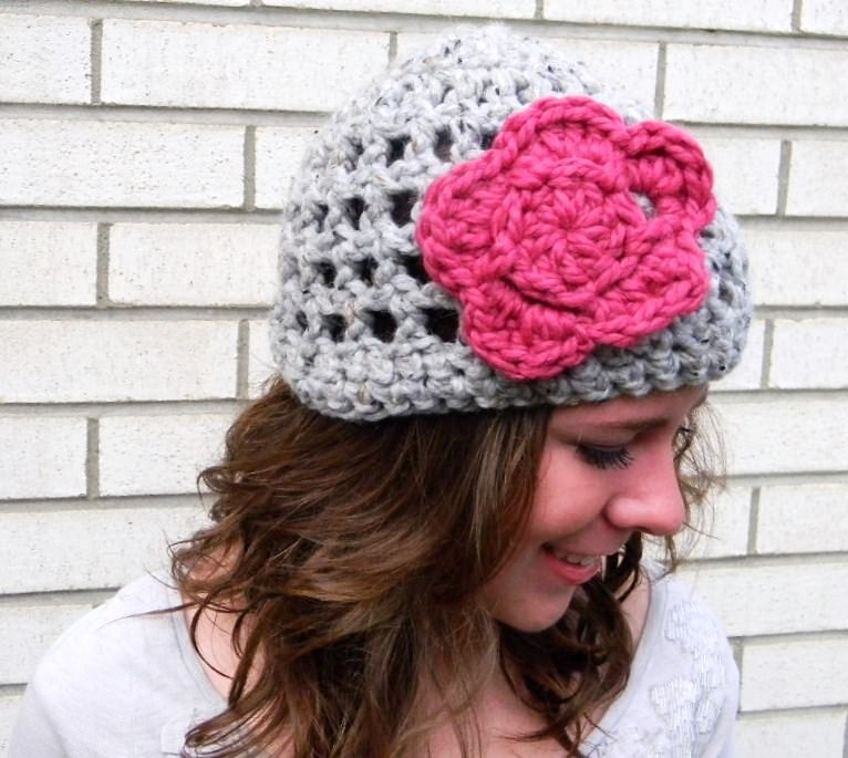 Free crochet hat pattern with flower