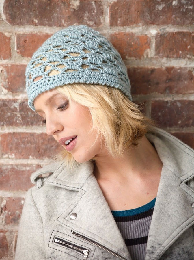 Mod lace crochet hat pattern