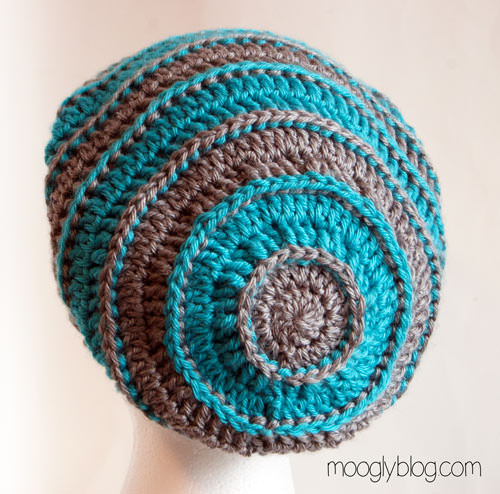 Slouch back beanie crochet hat pattern