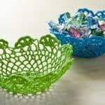 If you want to learn to make a doily bowl, this tutorial will show you how to do it using doilies from the dollar bin and Mod Podge Stiffy.