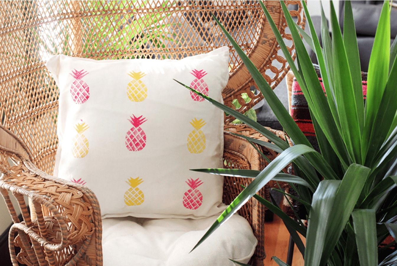 14 Pineapple Crafts You'll Have to Make