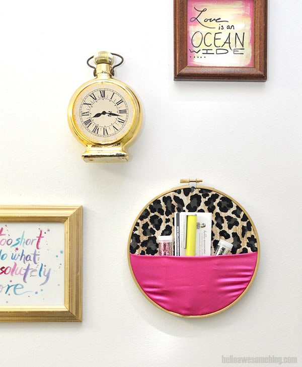 No-Sew Embroidery Hoop Wall Organizer - DIY Candy