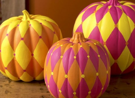 These awesome harlequin DIY pumpkins are so easy to make - the perfect last minute idea for your holiday decor.