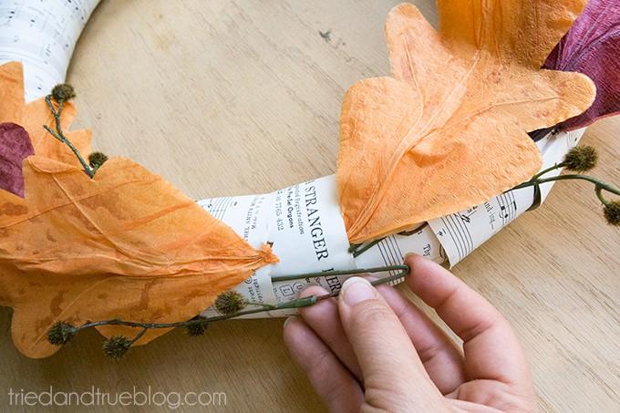 $5-Autumn-Wreath-05sm