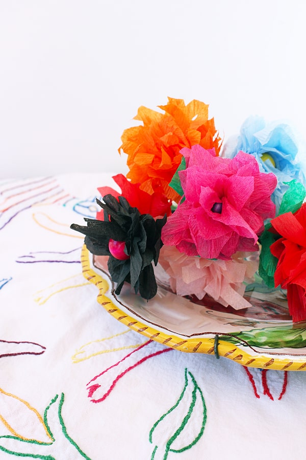 how to make flowers with streamers