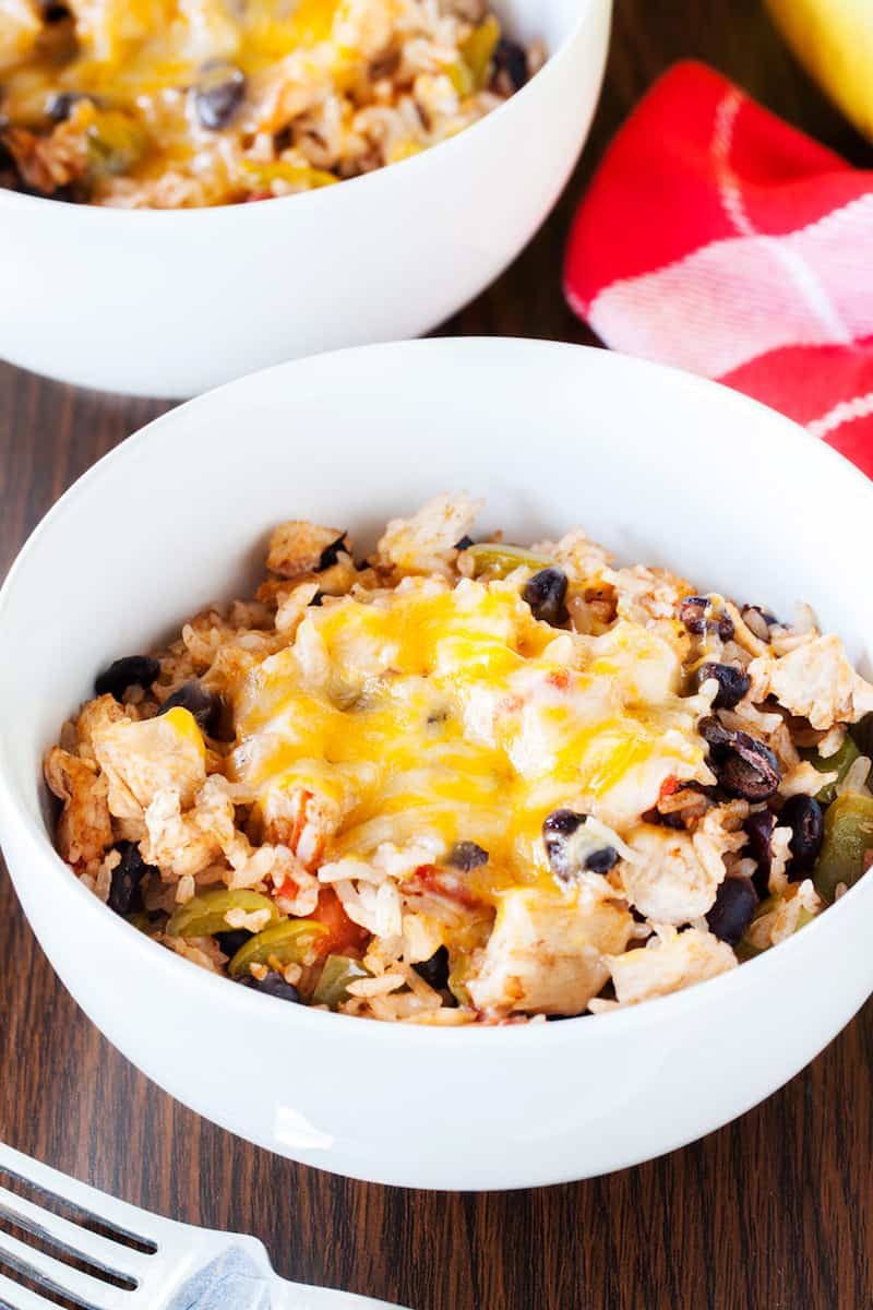 No need to visit the local Mexican restaurant - make a delicious burrito bowl recipe in your own home. So yummy and so filling!