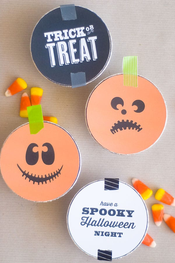 Make these adorable Trick or Treat tins for your Halloween party, carnival, or as a surprise for neighbor trick or treaters!