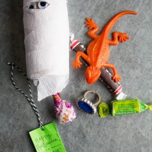Halloween Kids Craft: Mummy Piñata