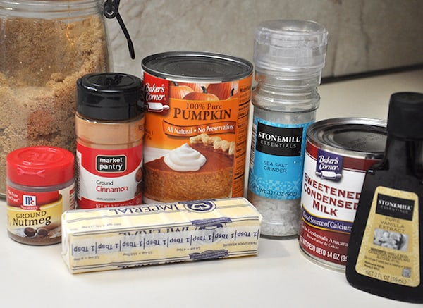 Ingredients to make pumpkin pie dip