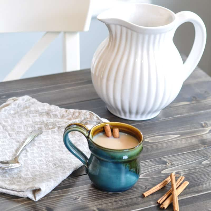 Delicious chai tea and Baileys recipe: the perfect boozy warm beverage for the holidays!