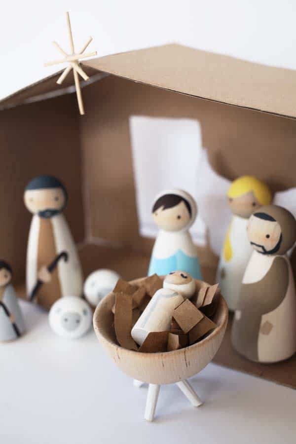 How to make a wooden diy nativity set diy candy this diy nativity set with wood peg dolls is budget friendly and not too kitschy solutioingenieria Choice Image