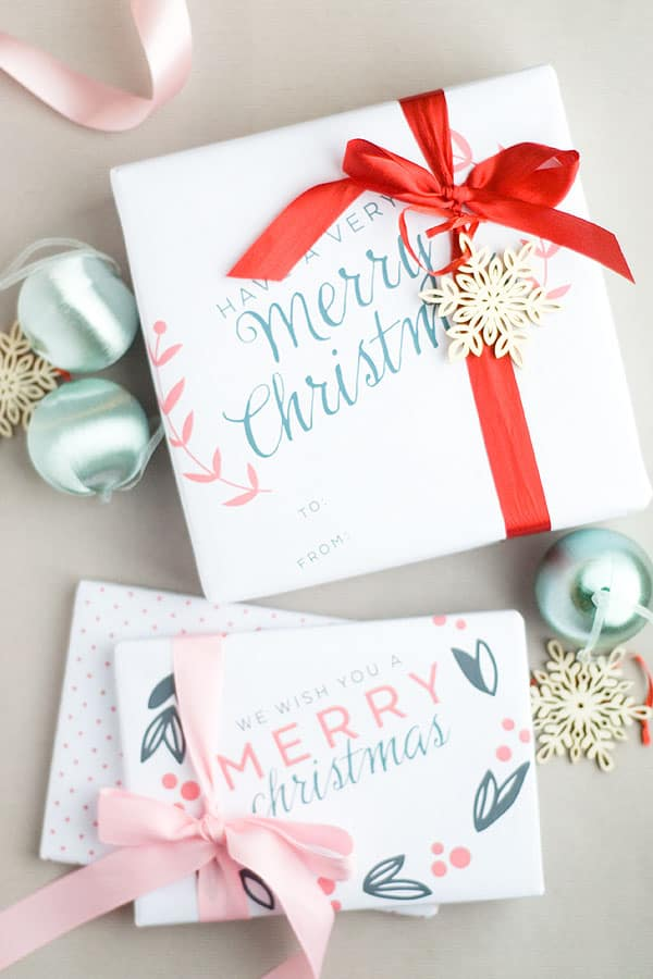 Have you started wrapping presents yet? This free printable 11 x 17 Christmas gift wrap is so cute and modern!