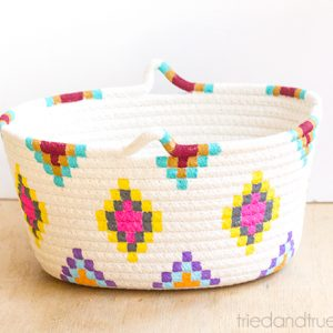 This Kilim-Inspired painted basket tutorial is an easy way to try out a fun new color palette quickly and inexpensively. It's so simple to make!