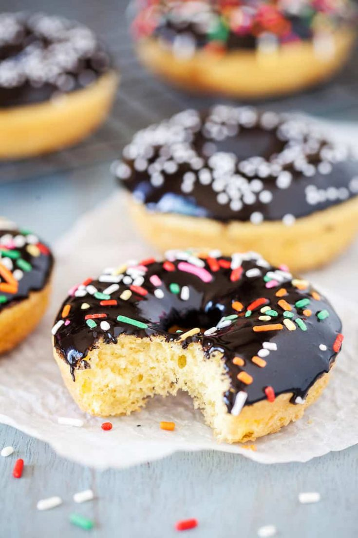 What looks like a donut but isn't? This delicious baked donut recipe is perfect for when you want a delicious treat to satisfy your sweet tooth.