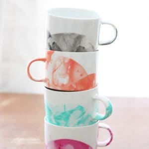 DIY marbled mugs with nail polish - stacked