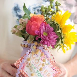 DIY Mother's Day Gift: Vases with Free ...