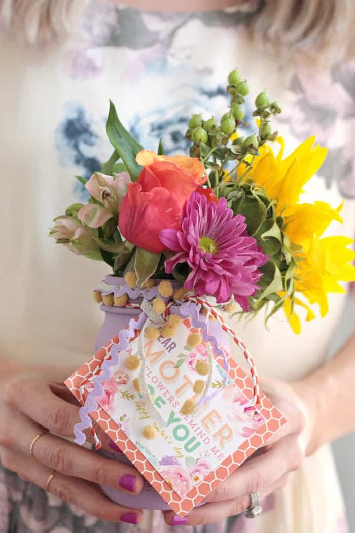 DIY Mothers Day Gift Vases With Free Printable