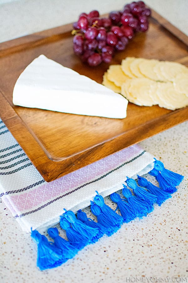 DIY-Tassel-Tea-Towel1