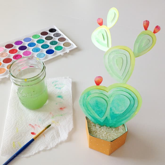 DIY-Watercolor-Paper-Sculpture-Cactus-10