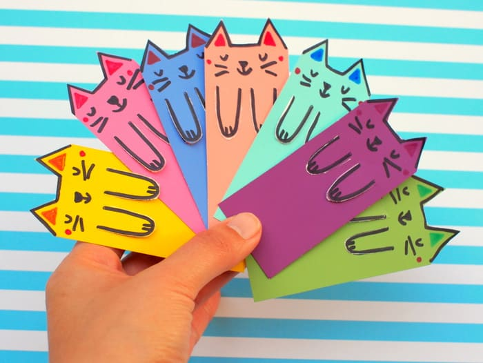 Easy Cat Bookmark by Origami-kids. Photo Diagram | Facebook | 526x700
