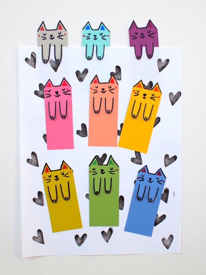 How to make cute paper bookmarks