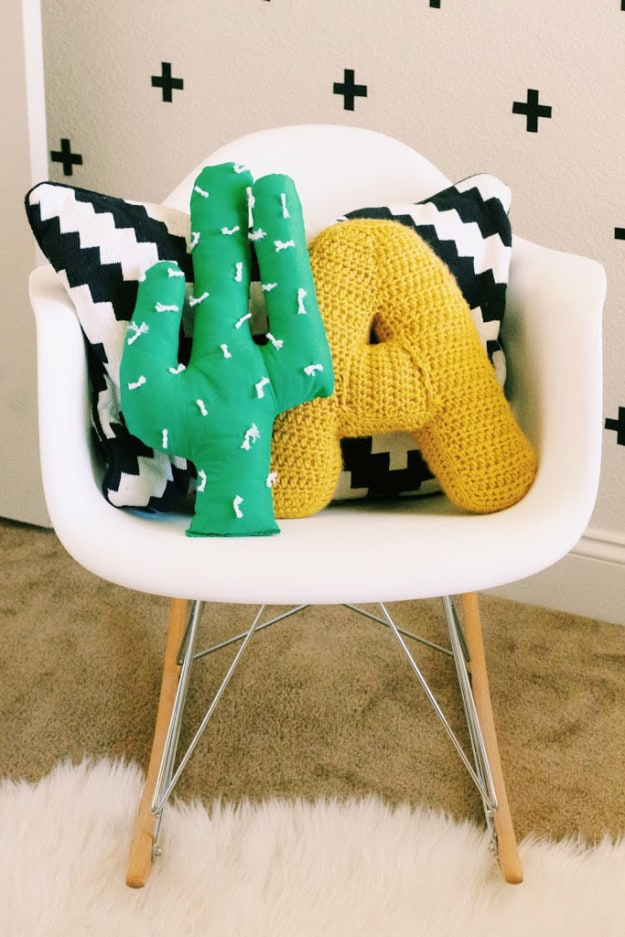 diy-cactus-pillow