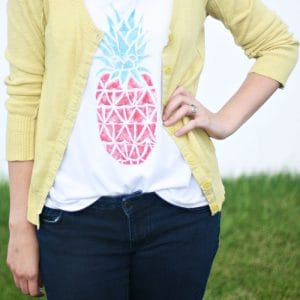 DIY Takeout Box Stamped Pineapple Tee