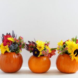 Are you looking for an easy floral decor project that gets your home fall-ready in a jiffy? You can make a pretty pumpkin vase with this quick tutorial.