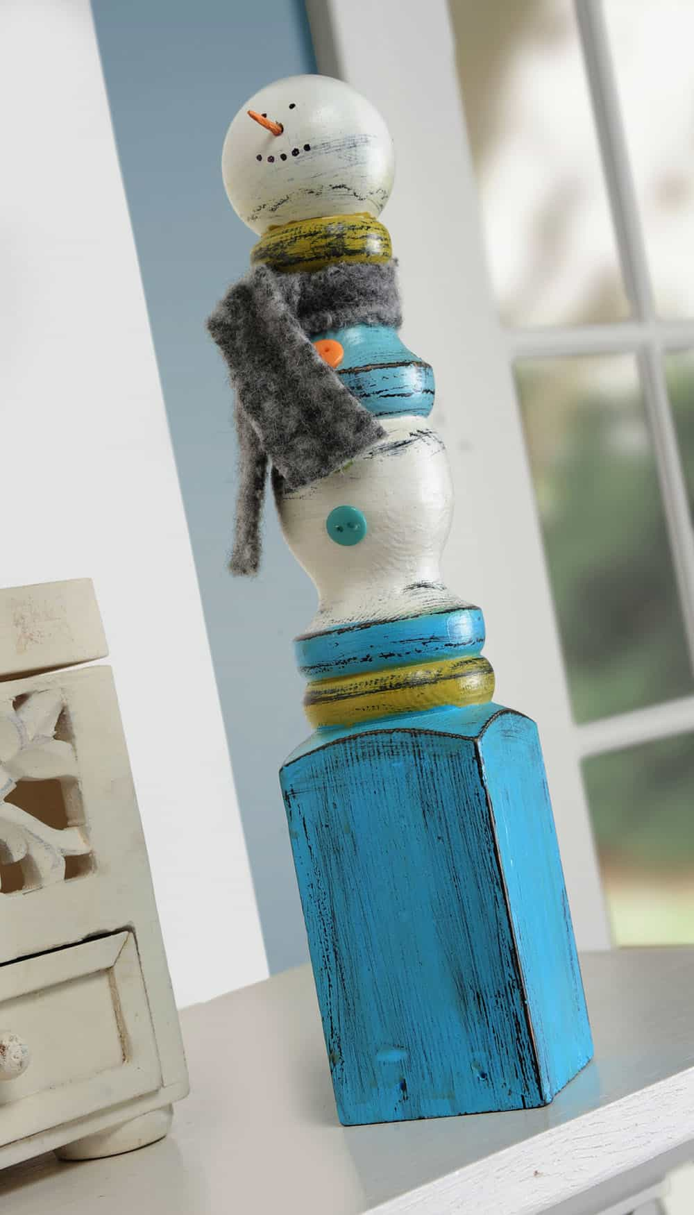 Easy Spindle Snowman Craft for Winter