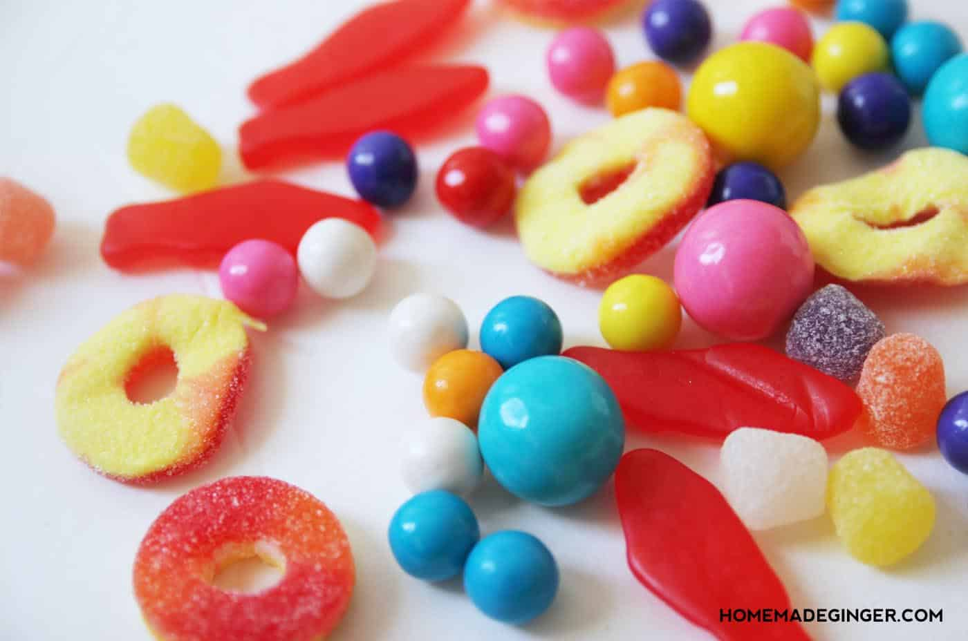 Mix up your holiday decor by making some DIY candy garlands! This is such a great project for kids to help with!