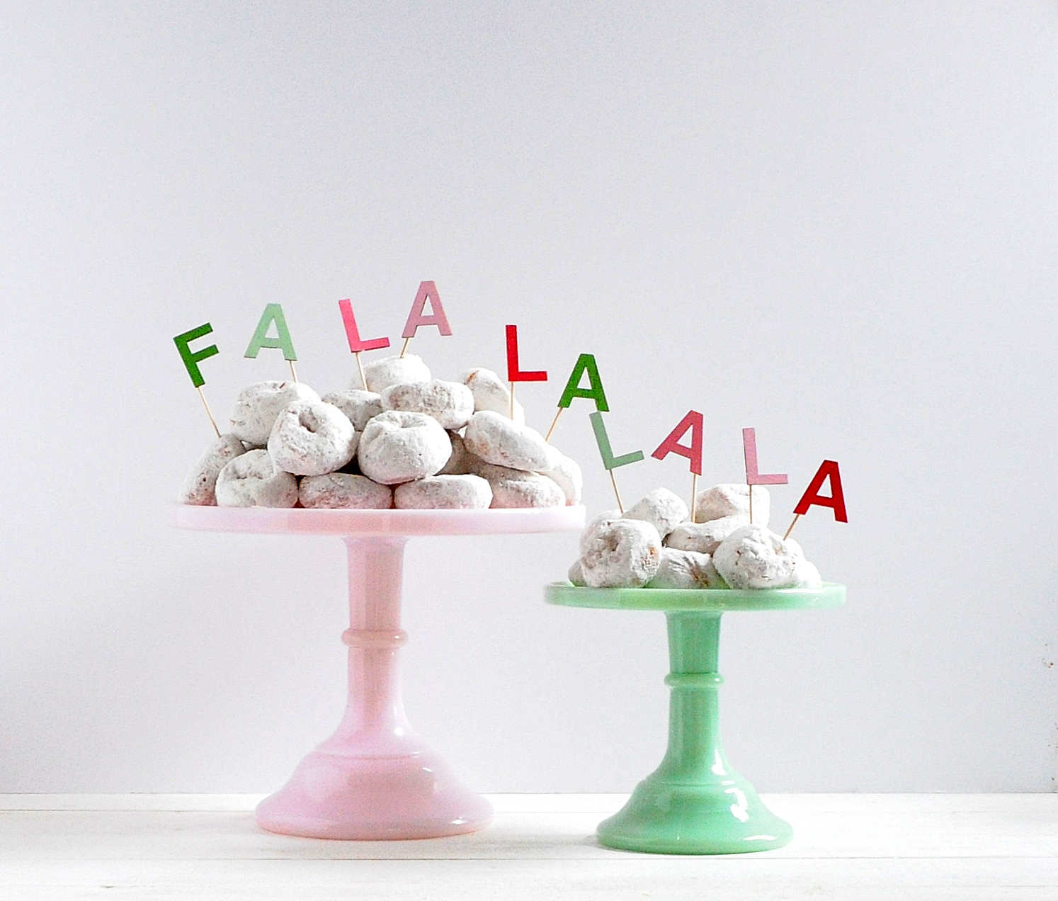 Personalized DIY Christmas Cake Toppers - DIY Candy