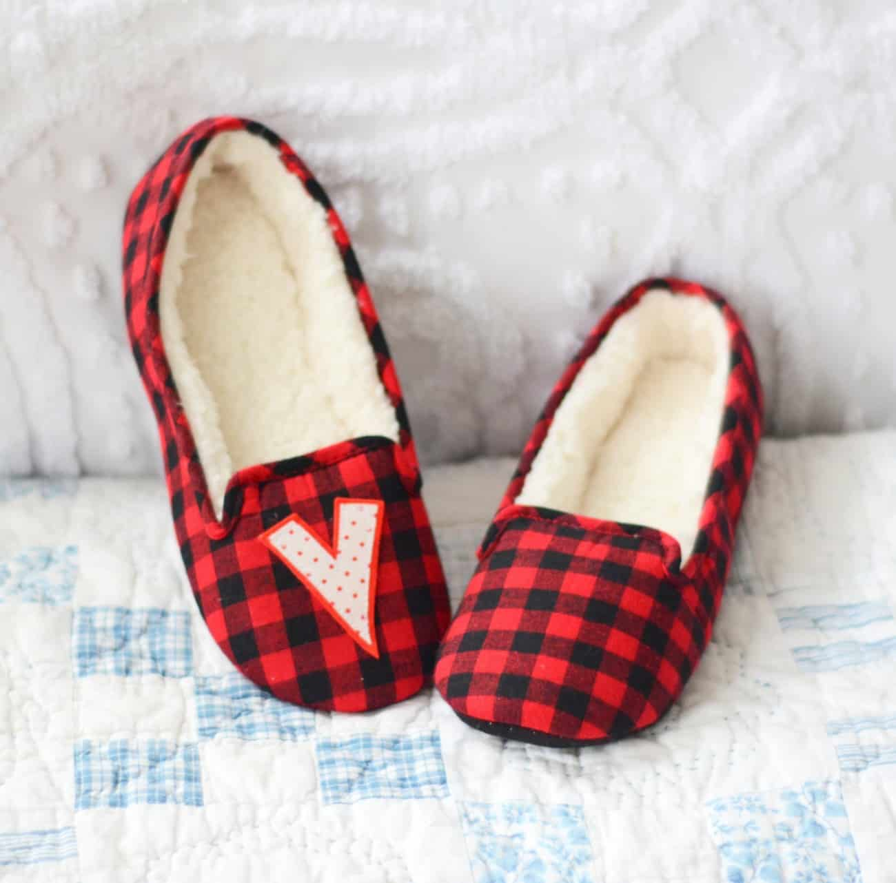 It is really easy to add a special touch to plain slippers - make them a wonderful personalized gift that your special someone will absolutely love!