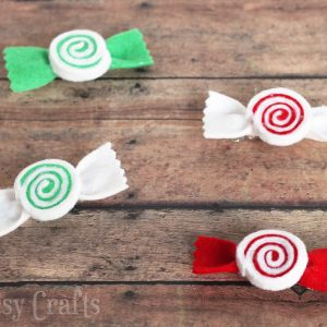 With the holidays around the corner, I've got a peppermint swirl Christmas hair bows tutorial you'll love! Don't they look good enough to eat?!