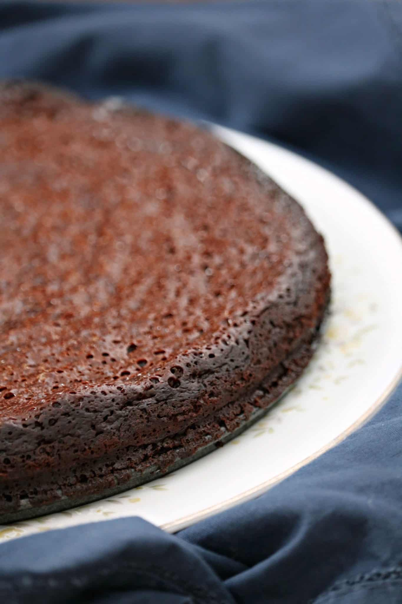 Five Ingredient Delicious Flourless Chocolate Cake Recipe