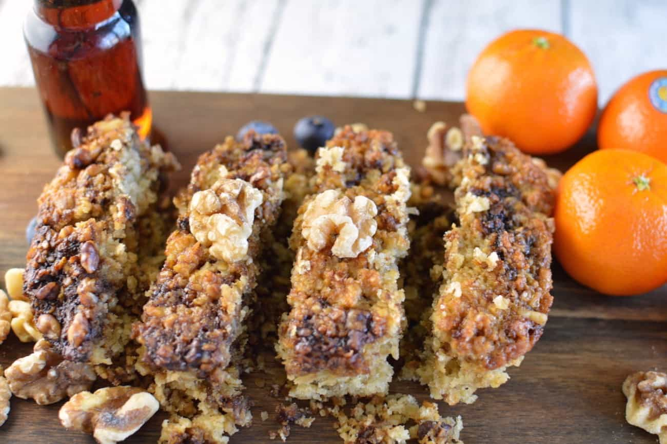 Make this delicious oatmeal loaf - a dense bread packed with comforting flavors such as cinnamon and brown sugar. Top it off with yummy roasted walnuts!