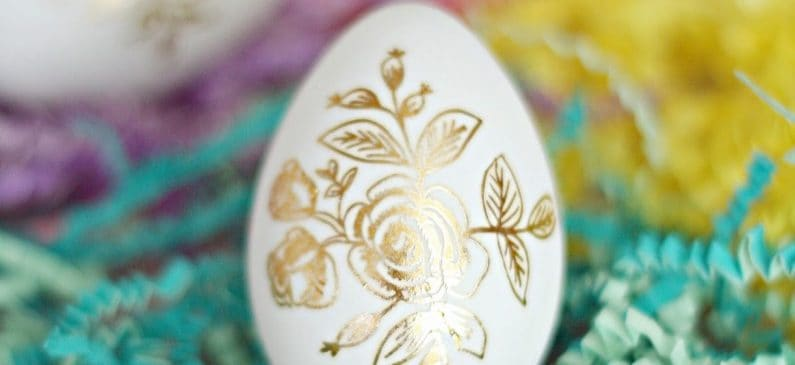 If you are looking for unique Easter egg ideas, check out these eggs done with gold foil tattoos. Easy to make and there is no mess!