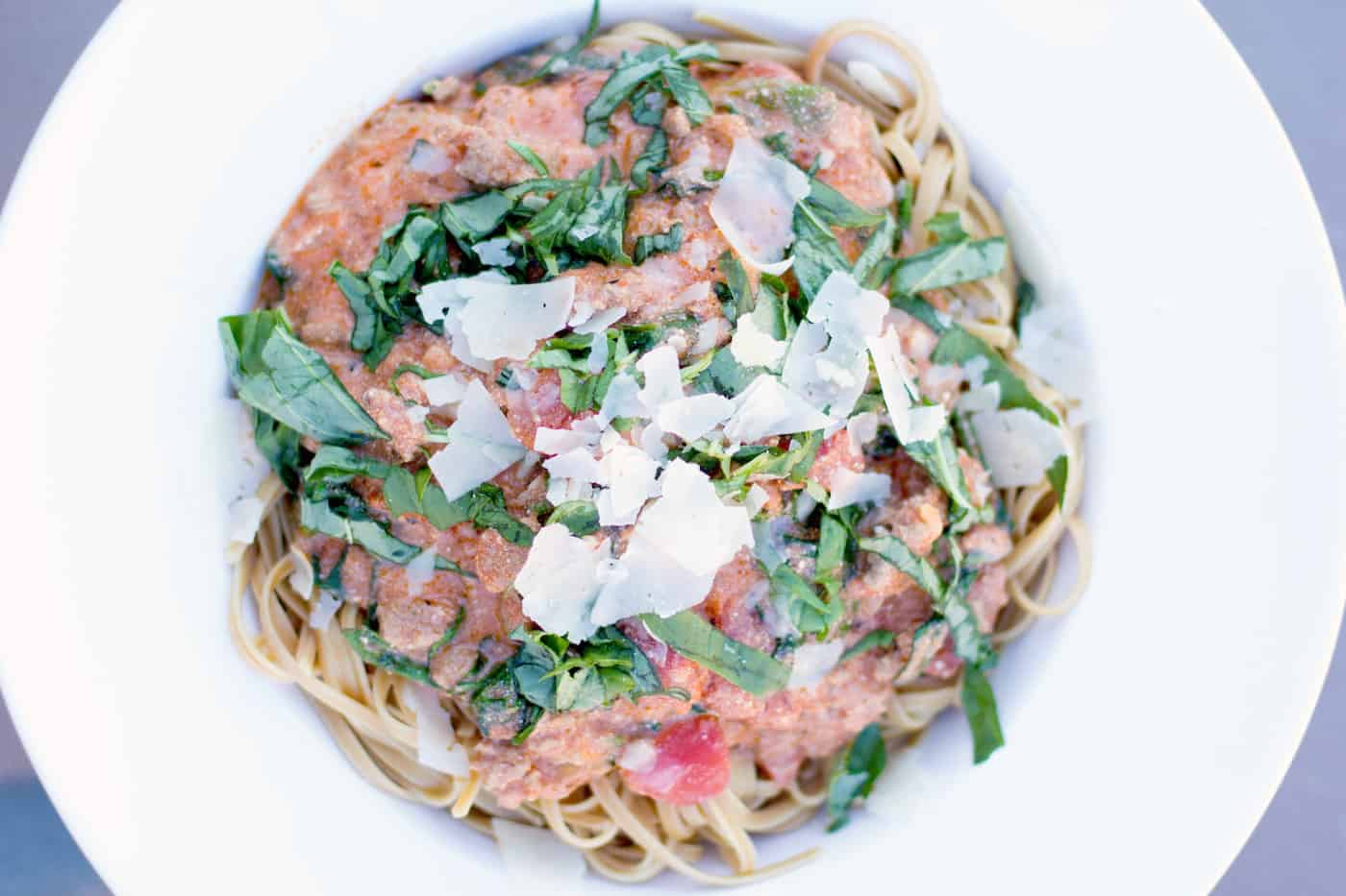 If you are looking for a delicious and fresh meal that the whole family will love, try this sausage and spinach pasta recipe! It's so easy to put together.