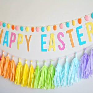 Easter Craft: DIY Egg Garland