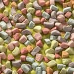 Learn how to make a delicious candy bark using Lucky Charms (just the marshmallows) and candy melts. This dessert is easy and delicious!