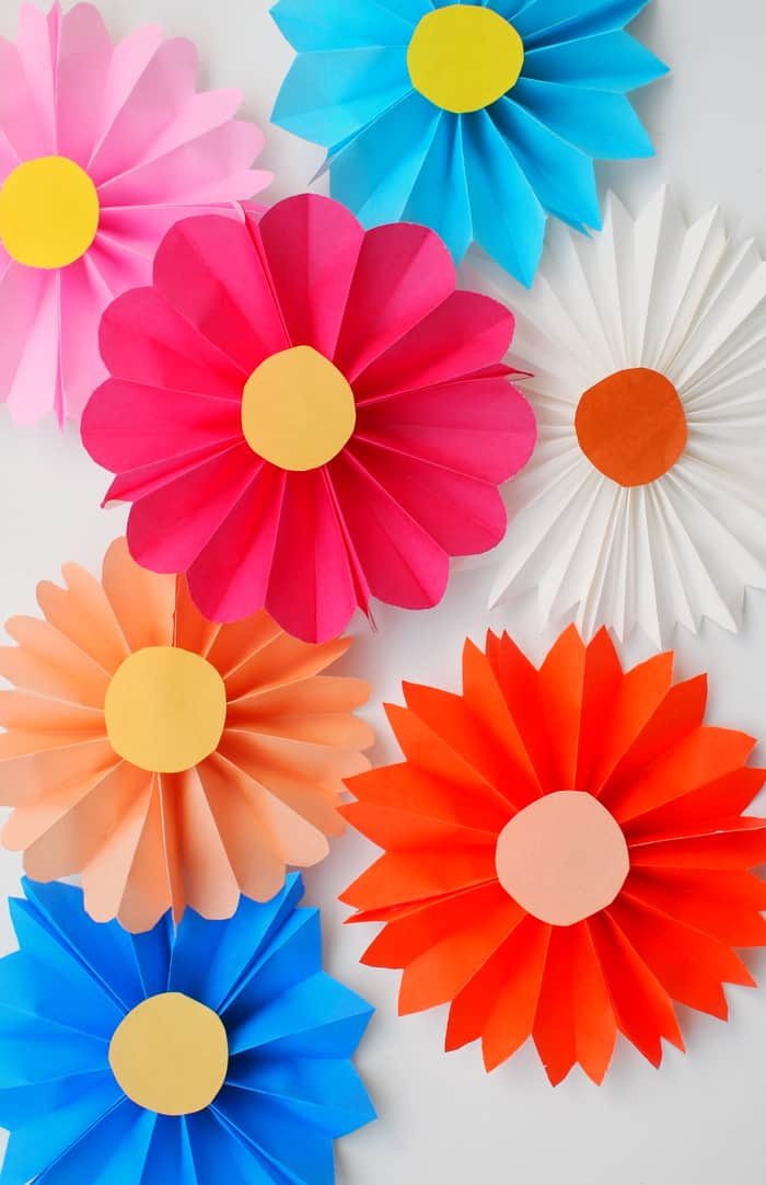 Accordion Paper Flowers - diycandy.com