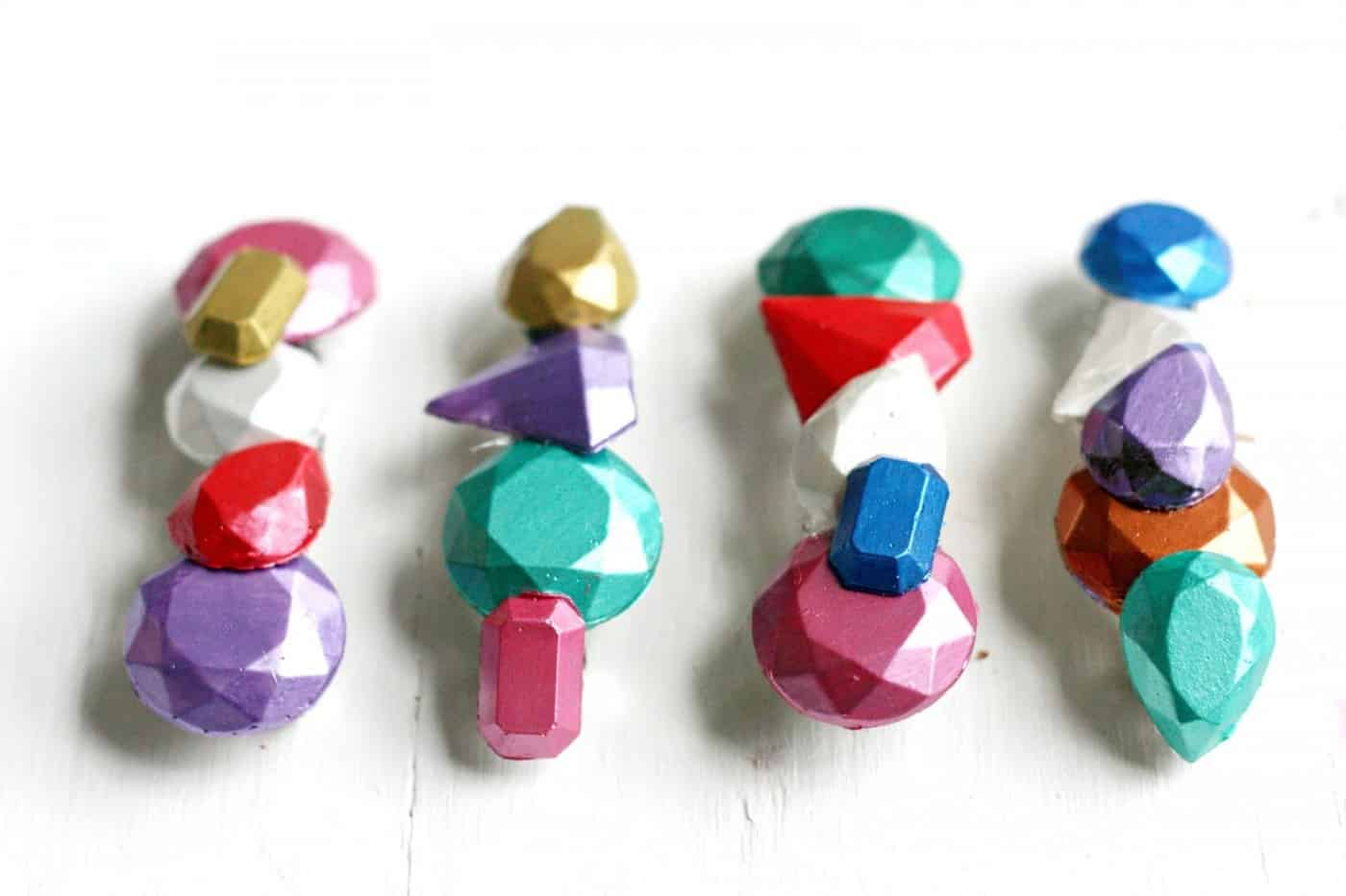 Create your own hair accessories with Mod Melts and Molds! You'll love this rainbow faux