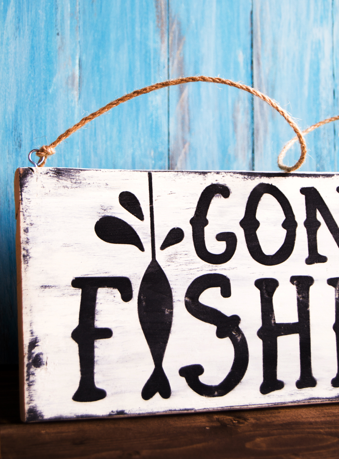 Father's Day Gift Gone Fishing DIY Sign