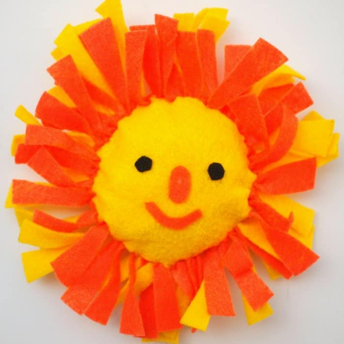 Are you ready for summer craft camp with the kids? Make these cute no sew pillows in fun lion and sun shapes. These are SO easy and littles will love them!