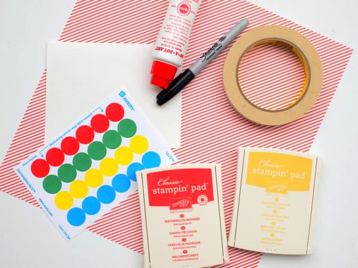 These bug cards are the perfect summer craft for kids! Make them easily with stickers, ink pads, and other simple supplies. Children will love making them!