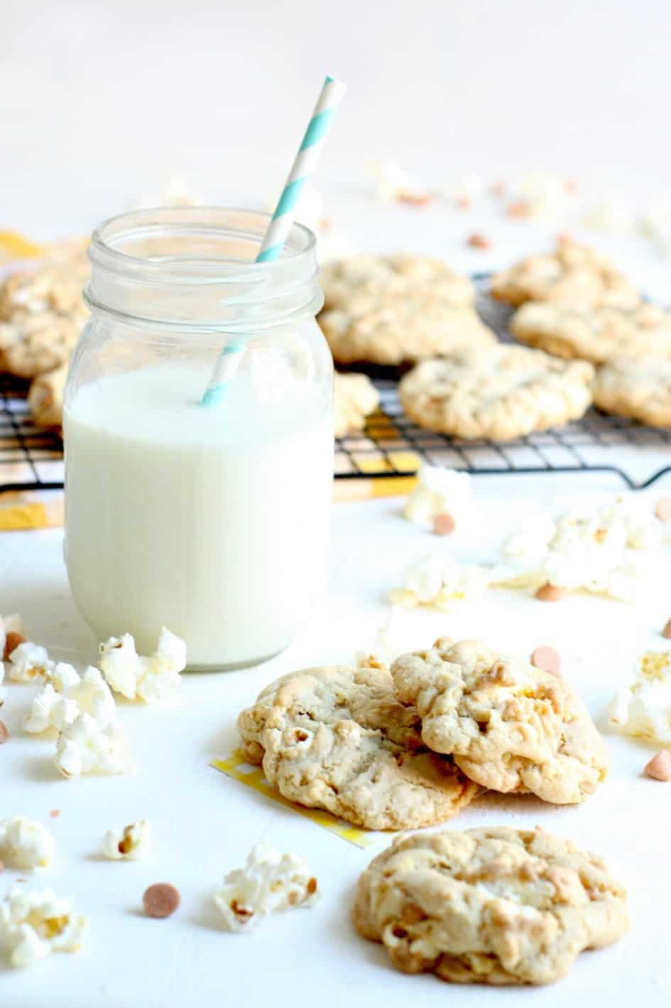 You'll feel like you've gone straight to the movie theater with these delicious buttered popcorn and butterscotch cookies. Sweet, salty, and SOOO good!