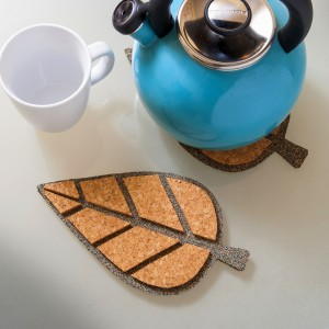 Modern Cork Crafts: Leaf Trivets