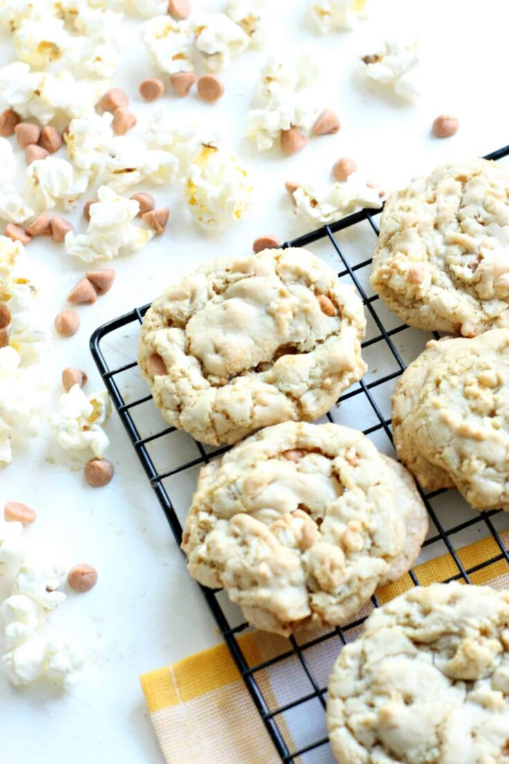 Butterscotch Cookies with Popcorn